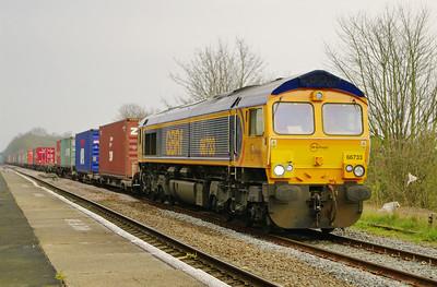 66733-4e33-felixstowe-donc-railPORT-gains-LEAroad-28-3-2014