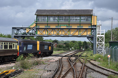 20309+20312 stand under the impressive signal box at Canterbury West (16.06.2012)