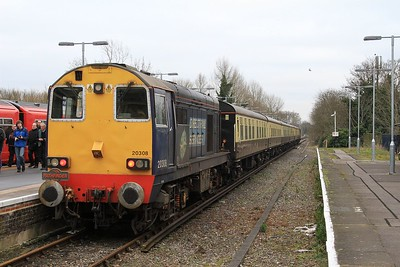"20 308 at Hampton Court after arrival with 1Z25, the 14.47 Waterloo - Hampton Court leg of the ""Buffer Puffer 12.0"" railtour (07.02.2015)"