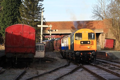 Nice sight on a cold winter's morning - 20 205 and 20189 waiting to leave Butterley with 10.10 to Riddings (08.02.2015)