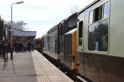 DRS meet Merseyrail - 37 419 and a Merseyrail 508 unit meet at Ormskirk (07.03.2015).
