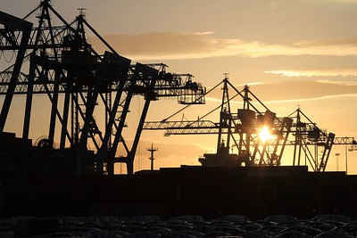 Setting sun over Liverpool Docks (07.03.2015).