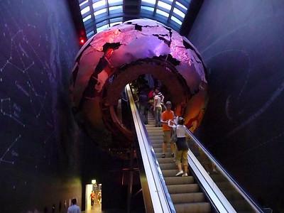 London: V&A, Natural History Museums