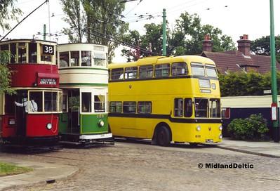 London Transport 1858, Blackpool 159, Bournemouth 286, Carlton Colville, 11-06-2000