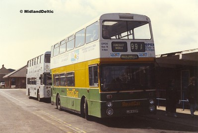 Roadcar 1306, Skegness Bus Station, 14-04-1990