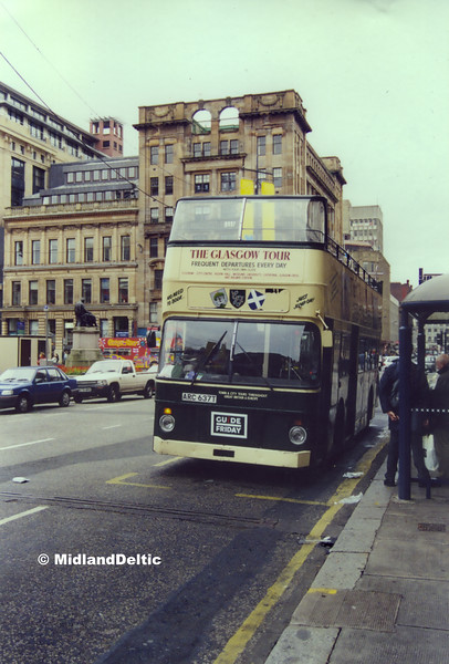 Guide Friday ARC637T, George Square Glasgow, 16-09-2000