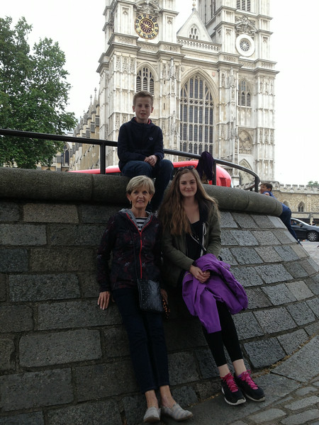 Hanging outside of Westminster Abbey, just before Buckingham Palace walk-by...