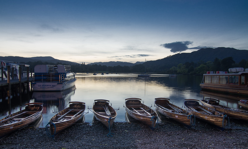 A stop at Ambleside on the way home. Not a good sunset but interesting lighting on the boats in the foreground.