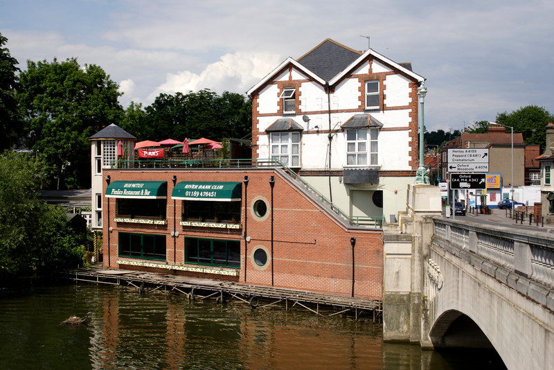 River Bank Club Caversham Reading Berkshire
