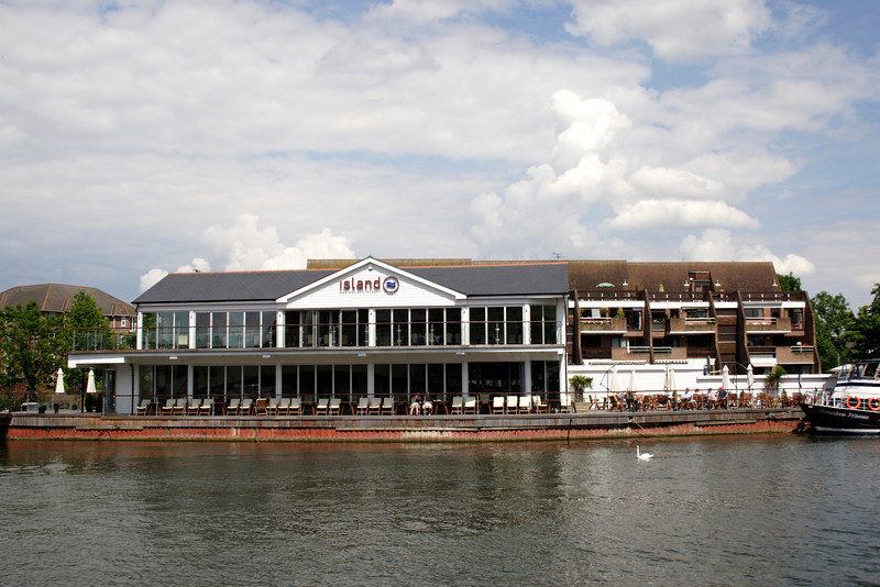 Island Bar and Restaurant Caversham Reading Berkshire
