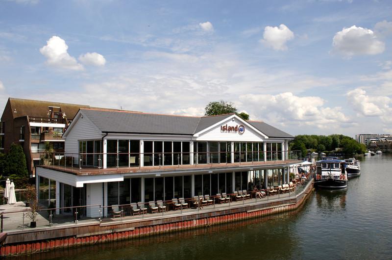Island Bar and Restaurant Caversham Reading Berkshire