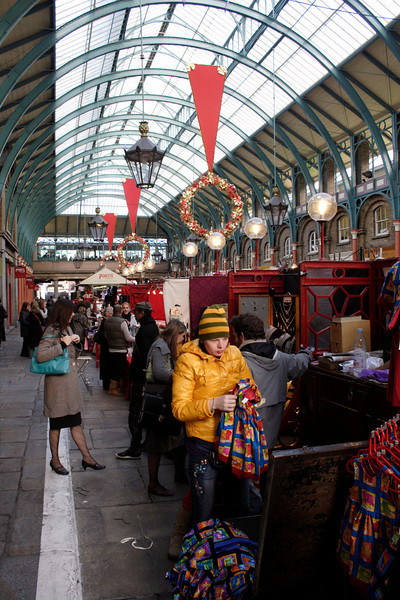 Christmas shopping Covent Garden Market Winter 2006