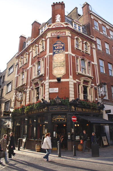 The White Lion Pub Covent Garden London November 2008