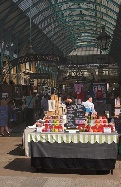 Covent Garden Apple Market London September 2017