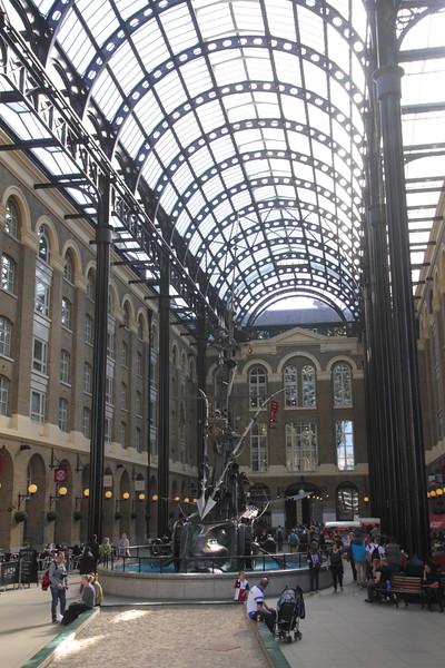 Hays Galleria shopping mall London