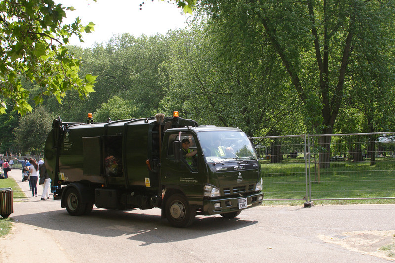 Refuse collection truck at Green Park London May 2008