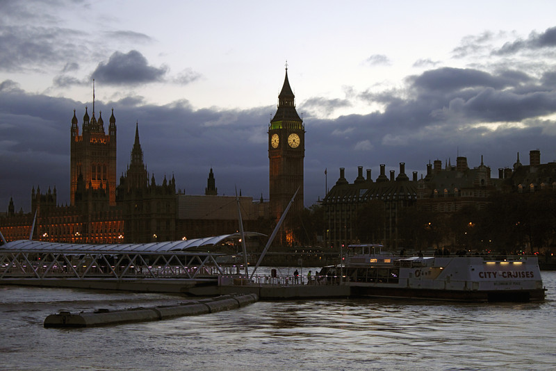 Houses of Parliament London at dusk