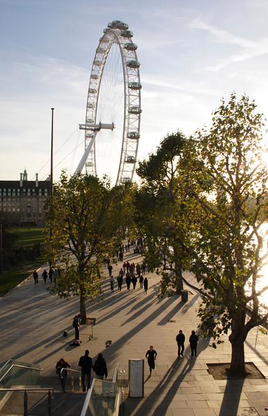South Bank boulevard and London Eye