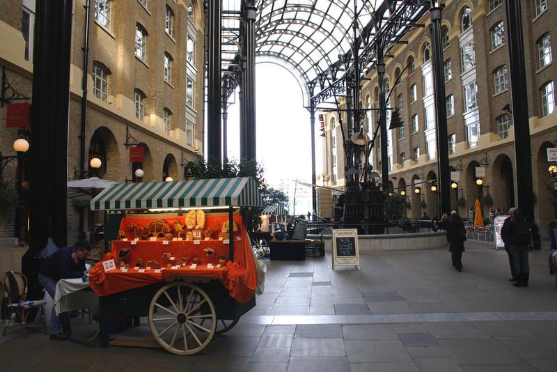Hay's Galleria shopping mall London