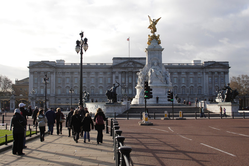 Buckingham Palace and Queen Victoria Memorial London