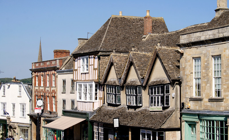 Old buildings in medieval town of Burford in Oxfordshire