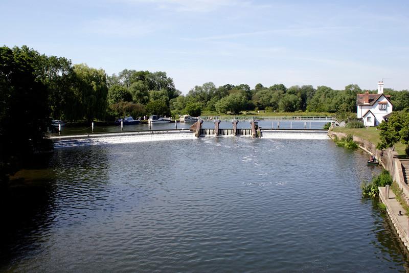 Weir at Goring Oxfordshire
