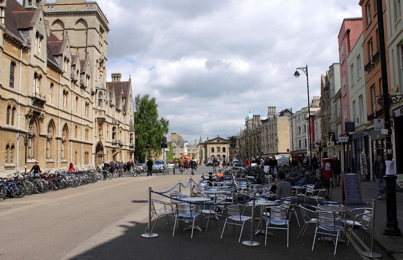 Outdoor Cafe Broad Street Oxford May 2010