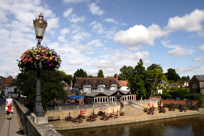 The Boathouse pub on River Thames at Wallingford Oxfordshire