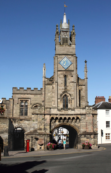 East Gate and St Peter's Chapel Castle Hill Warwick