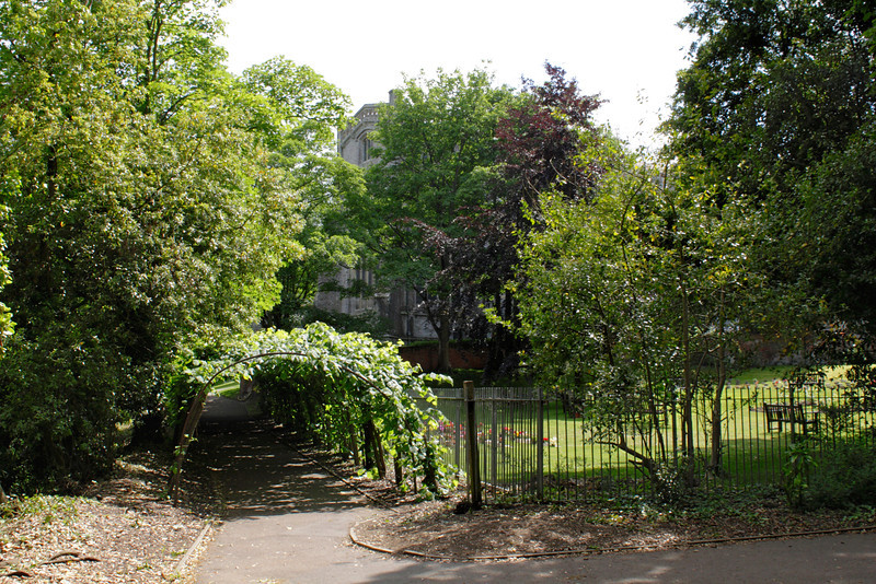 Priory Gardens Christchurch Dorset