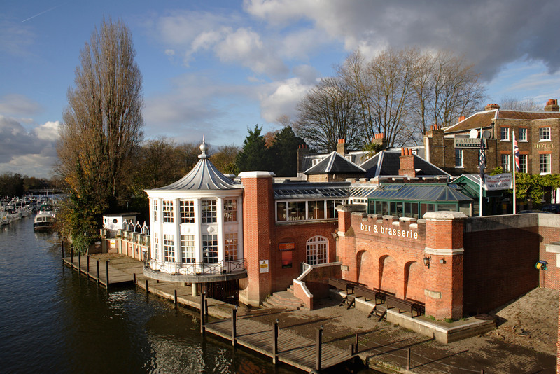 Hamptons Restaurant by River Thames at East Molesey Surrey