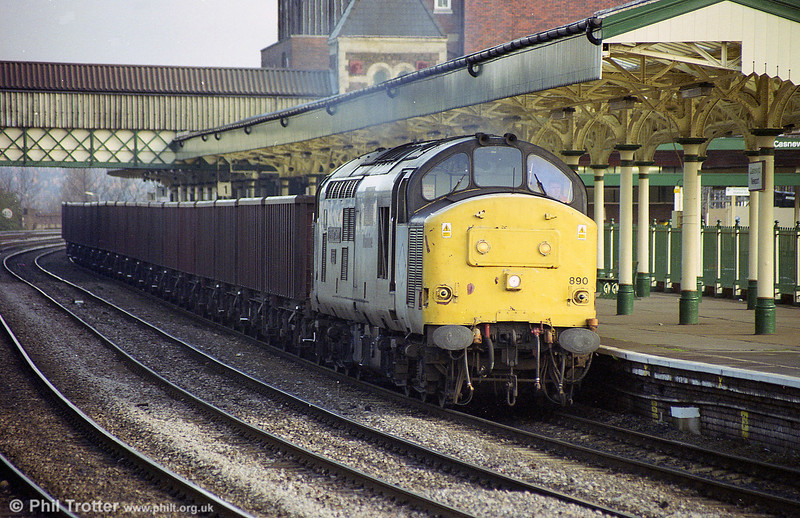 37890 'The Railway Observer' is seen on a rake of MEAs at Newport.