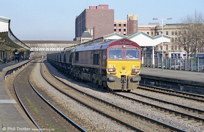 66200 heads through Newport with an mgr train on 8th February 2001.