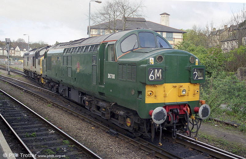 37350, restored to green livery as D6700 in the company of 37250 at Newport, Godfrey Road.