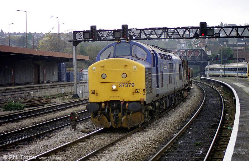 Mainline 37379 'Ipswich WRD' at Newport in November 1998.
