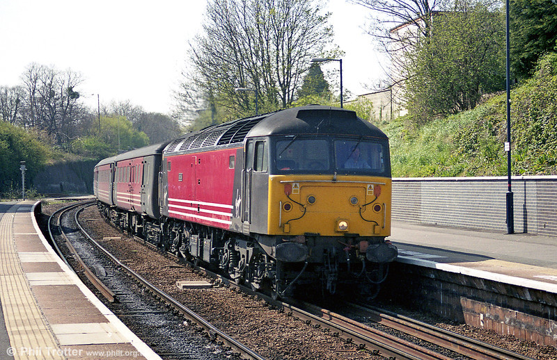 47750 'Atlas' arrives at Cheltenham Spa with Virgin Cross Country service 1E33, 1210 Bristol Temple Meads to Newcastle on 8th April 2002. The loco is one of the original WR 'namers', being new to Landore in March 1965 as D1667.