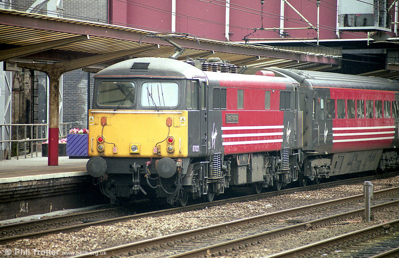 87021 'Robert the Bruce' at Crewe in August 2003.