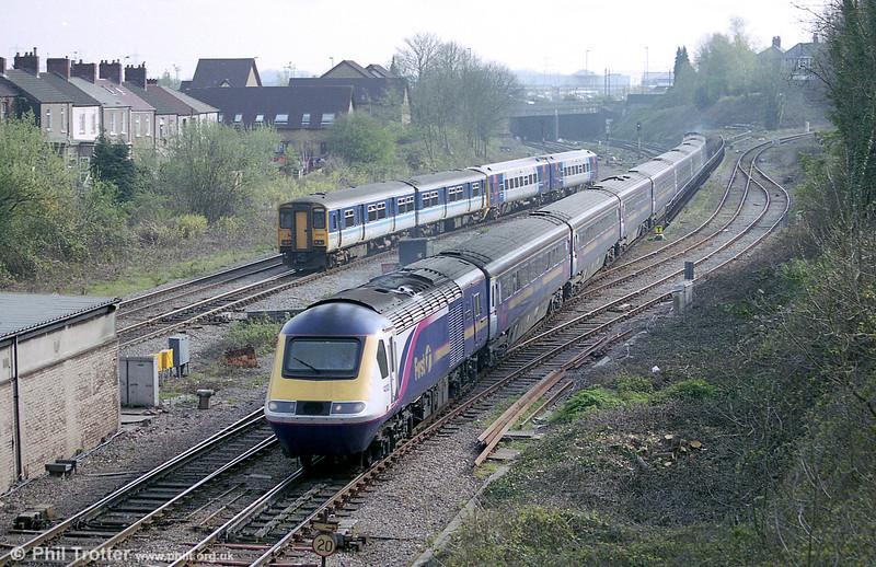 43020 'John Grooms' heads for London Paddington at Gaer Junction on 9th April 2002.