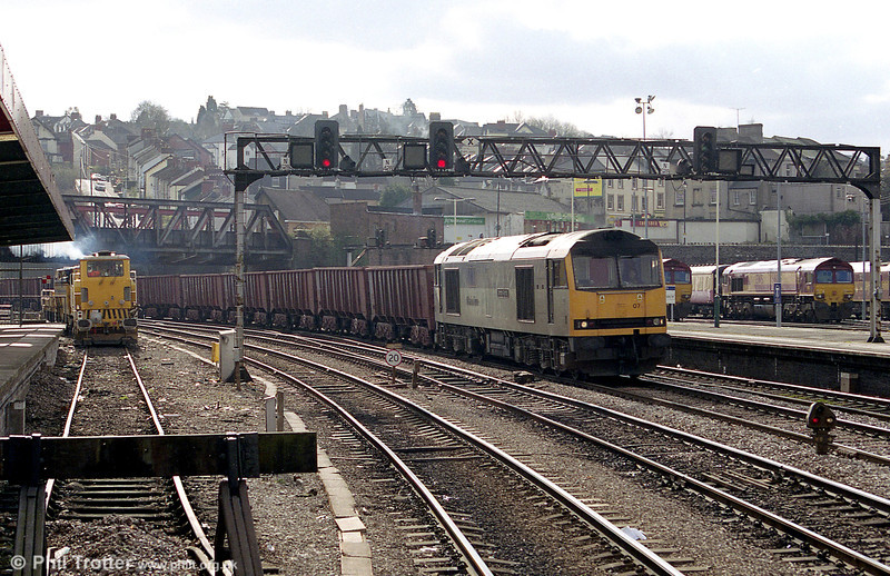 60071 'Dorothy Garrod' (later renamed 'Ribblehead Viaduct') passes through Newport on St. David's Day, 2003.