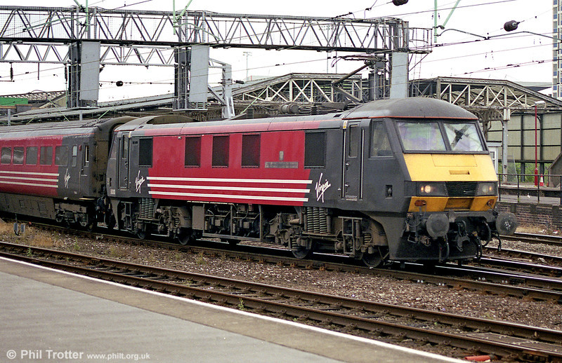 90010 '275 Railway Squadron (Volunteers)' heads out of Crewe in August 2003.
