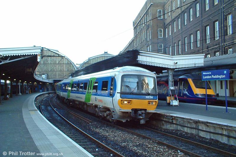 Thames Trains 166214 leaves London Paddington on 11th October 2003.