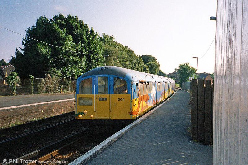IoW 483004 at Sandown on 14th August 2002.