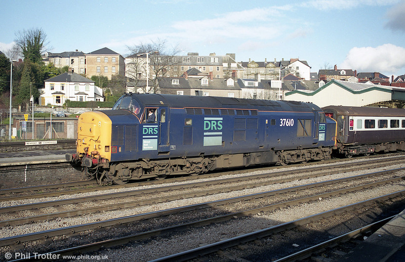 Another look at DRS 37610 at Newport with 1V77, the 0833 Manchester Piccadilly to Cardiff Central on 3rd February 2001.