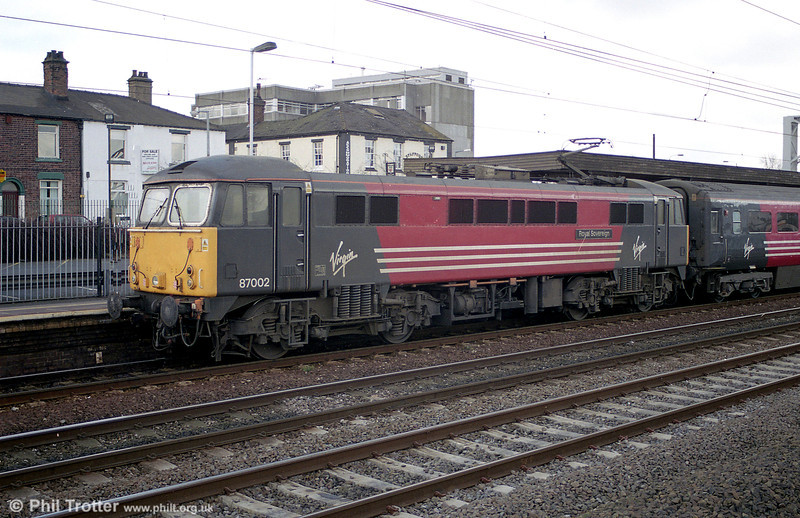 87002 'Royal Sovereign' at Stafford on 2nd March 2001.