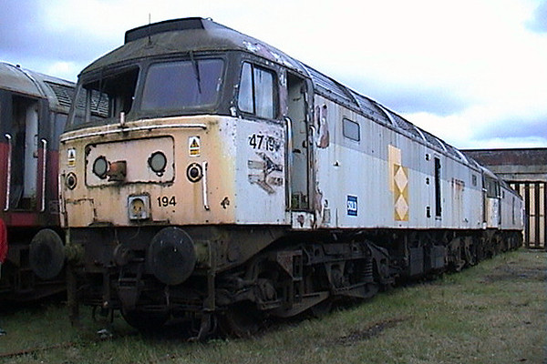 47194 at Carnforth in May 2003. New in 1965 as D1844, the loco remains in store at this location.