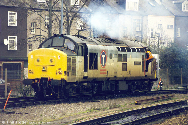 37671 'Tre Pol and Pen' at Newport on 12th January 1998.
