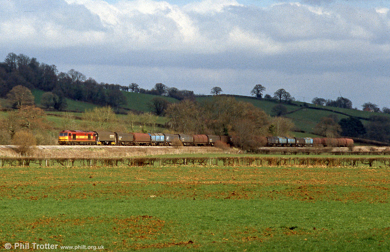 60016 (later renumbered 60500) 'Rail Magazine' at Pandy with a Dee Marsh to Margam working on 14th March 2002.