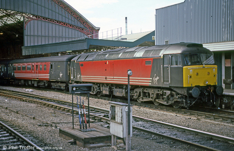 VXC 47839 pauses at Bristol Temple Meads in September 2001. The class 47s bowed out from this work in August 2002.