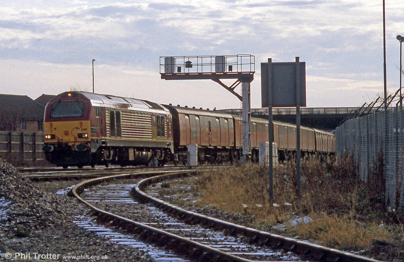 67010 'Unicorn' passes Barrs Court, Hereford with a mail train on 3rd January 2002.