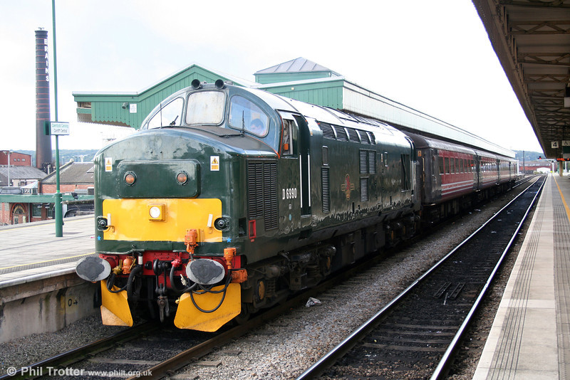 D6990/37411 with the 1459 to Rhymney on 22nd October 2005.